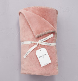 Plaid polaire Bien au chaud rose camée Sylvie Thiriez